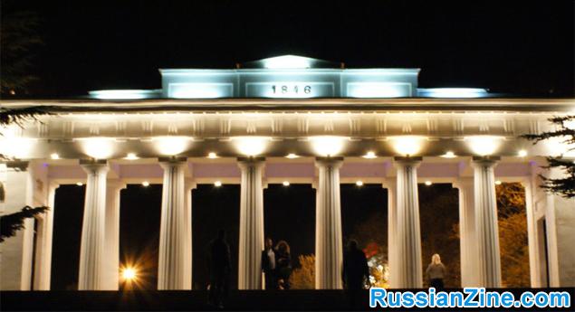 07-city-of-columns