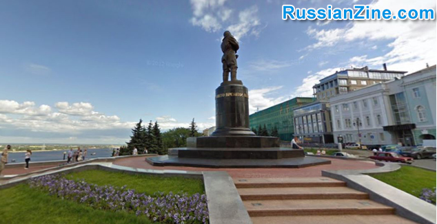 Chkalov-Monument-and-Top-of-Staircase-4